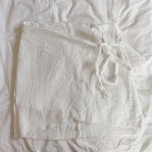 LF White Cloth Wrap Skirt